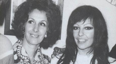 Estela con Laura Carlotto, su hija secuestrada y desaparecida a fines de 1977 en la ciudad de La Plata.