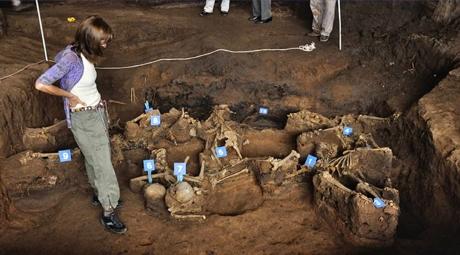 El Equipo Argentino de Antropología Forense (EAAF) fue creado en 1984 con el fin de desarrollar técnicas de antropología legal que ayudaran a descubrir qué había sucedido con las personas desaparecidas durante la dictadura militar.