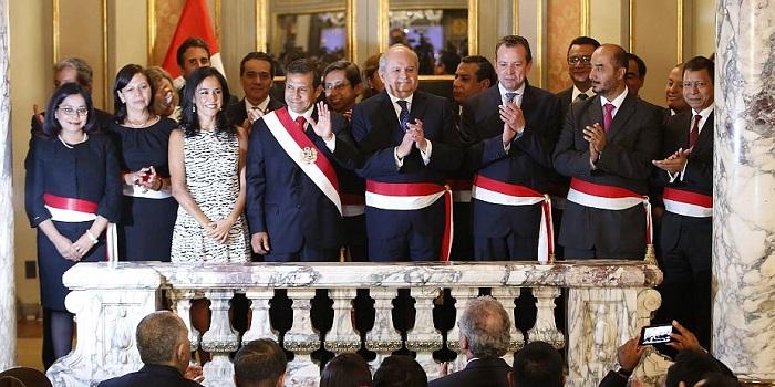 Perú: tras la moción de censura en el Congreso, asumen nuevos ministros y jefe de Gabinete