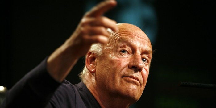 Velan los restos de Eduardo Galeano en el Congreso uruguayo