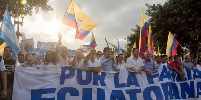 Ecuador: opositores marcharon en Quito contra las leyes de Herencia y Plusvalía y hoy se movilizan en Guayaquil