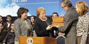 """Chile: Bachelet y expresidentes llaman a acabar con los """"pactos de silencio"""" de la dictadura."""