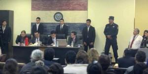 Caso Curuguaty en Paraguay: campesinos acusados piden cambio de defensa e inicio del juicio se postergó para hoy.