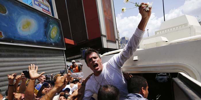 Venezuela: desde la cárcel, el dirigente Leopoldo López convoca a una nueva manifestación y su defensa denuncia desequilibrio procesal