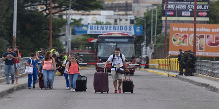 Crisis fronteriza: Colombia acepta diálogo con Venezuela pero pone condiciones