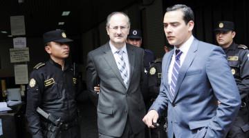 El ex Diputado Pedro Muadi se presento al Jusgado Undecimo de instancia Penal para conocer su estado judicial pero el Juez de dicho jusgado lo mando a prision preventiva al Cuartel Mariscal Zavala.