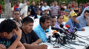 padres-de-normalistas-ayotzinapa