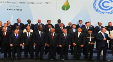 Modi-with-the-Heads-of-State-and-Government-at-COP21-in-Paris-France-21