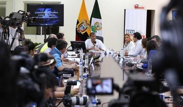 correa_conversatorio_dia_de_la_prensa