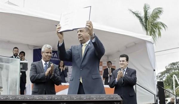 Presidente-Luis-Guillermo-Solís.-EFE-660x330