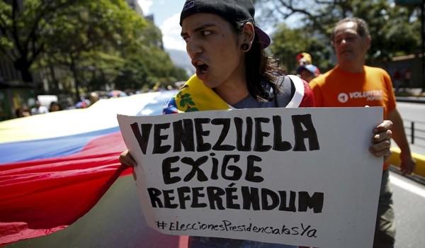 2016-03-12T170929Z_791649490_GF10000342971_RTRMADP_3_VENEZUELA-POLITICS