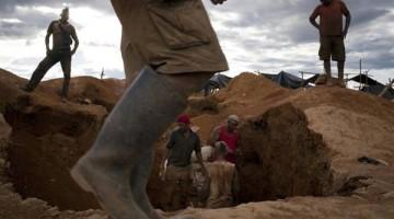 Foto-ilegales-Tumeremo-Venezuela-REUTER_CLAIMA20160308_0069_28