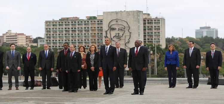 obama-en-el-memorial-josc3a9-martc3ad-3