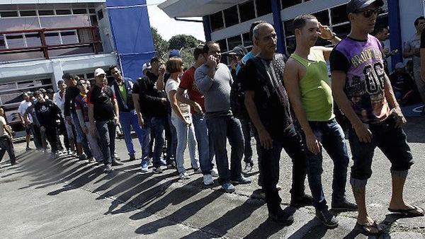 151113174619_costa_rica_cubans_migrants_624x351_reuters_nocredit