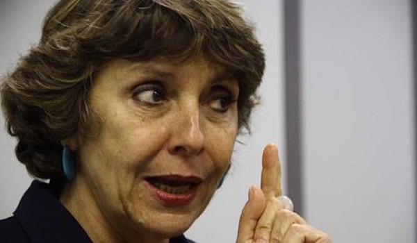 Deputada-Erika-Kokay-PT-DF-mantivessem_ACRIMA20140221_0039_23