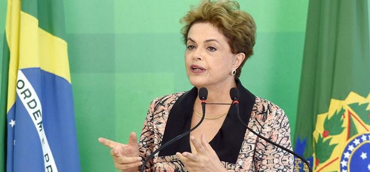 La-presidente-bresilienne-Dilma-Rousseff-lors-conference-presse-Brasilia-19-avril-2016_0_1400_931