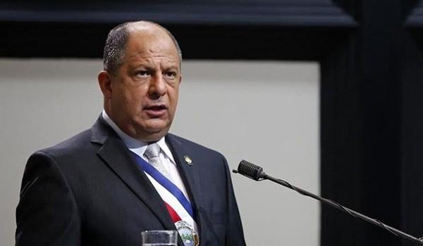 Luis-Guillermo-Solis-presenta-diputados_LNCIMA20160502_0160_5