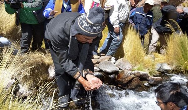29 de marzo (AFKA) Potosí.- El presidente Evo Morales junto a otras autoridades hicieron una inspección al manantial del Silala. Foto:AFKA/Claudia MORALES LARUTA