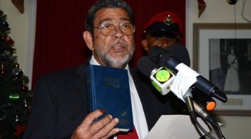 Ralph_Gonsalves_Sworn_In_2015_01
