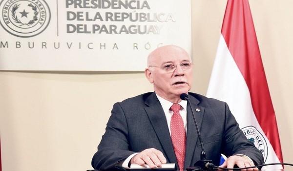 el-ministro-de-relaciones-exteriores-eladio-loizaga-en-conferencia-de-prensa-en-la-residencia-presidencial-mburuvicha-roga-_890_573_1378894