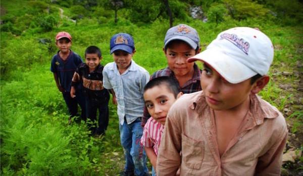 niños-emigrantes-1024x716