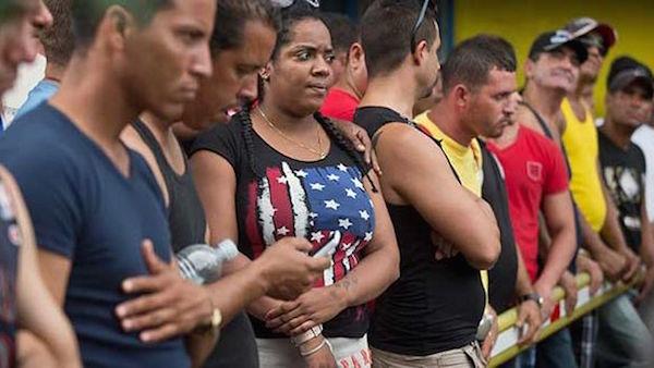 Cubanos-Costa-Rica-Unidos-EFE_CYMIMA20151128_0003_13 (1)