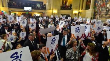 El Sí a la Paz se manifestó unánimemente en el Salón Elíptico del Capitolio Nacional, luego de que el Presidente de la República instalará la legislatura 2016-2017.