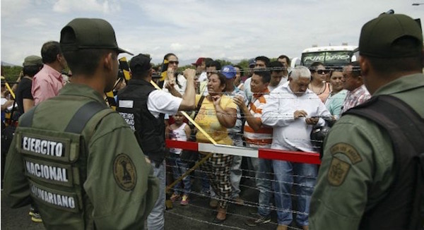 150824034119_sp_colombia_venezuela_border_624x351_reuters (1)
