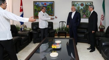 Zarif-arrives-in-Cuba-3