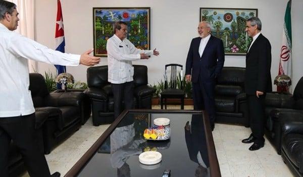 Zarif-arrives-in-Cuba-3