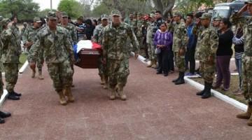 con-honores-militares-ingresa-el-ataud-al-casino-militar-_970_557_1399253