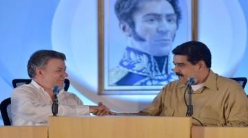 """""""Bienvenido siempre, gracias por estar con nosotros"""", le manifestó el Mandatario anfitrión al Presidente Santos, y comentó que esta cita en la región guayanesa es a orillas del Orinoco,  que Bolívar consideraba el río de la patria común."""