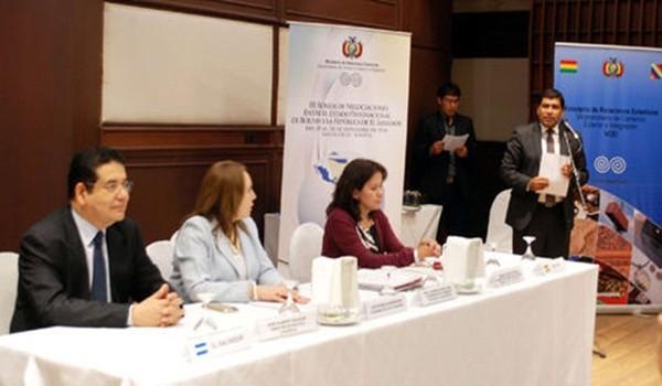 delegacion-Salvador-Foto-elsalvadorco_LRZIMA20160922_0079_11