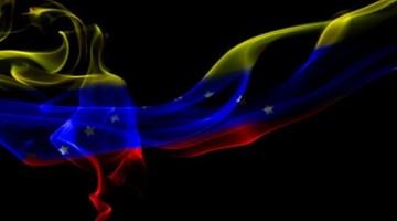 Bandera-de-venezuela-con-efecto-Humo-450x304