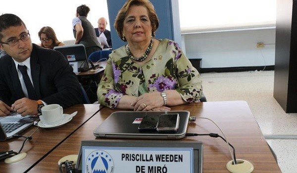 Priscilla-Weeden_LPRIMA20161026_0069_26