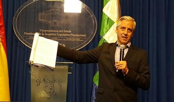 vicepresidente-Alvaro-Garcia-conferencia-prensa_LRZIMA20161010_0045_11