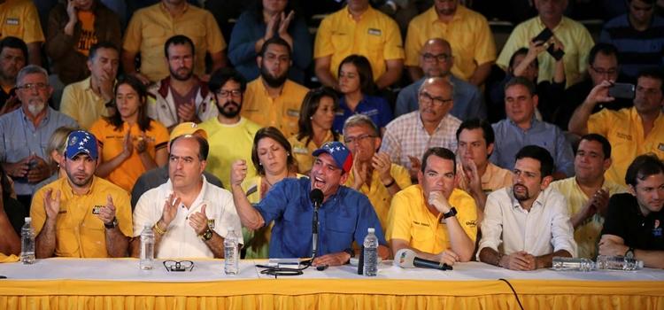 2016-11-09T171907Z_543800265_D1BEULWLSLAB_RTRMADP_3_VENEZUELA-POLITICS