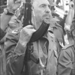 Fidel mantuvo siempre su fusil y uniforme guerrilleros dispuestos al combate