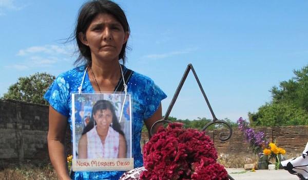 Madres-de-migrantes-centroamericanos-desaparecidos-visitan-las-fosas-comunes-en-Chiapas.-Ángeles-Mariscal-Chiapas-PARALELO1