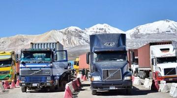 Paro-aduanero-Chile-transportistas-Bolivia_LRZIMA20150527_0100_4