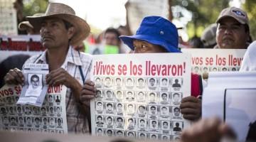 papas_ayotzinapa_marcha