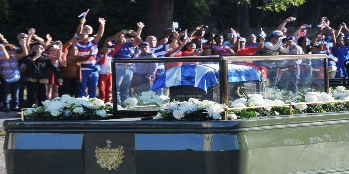 Carabana Homenaje Póstumo al Comandante en Jefe Fidel Castro Ruz, Via Blanca Y Fabrica    (Foto Jorge Luis González) 30-11-16 Cara01N9