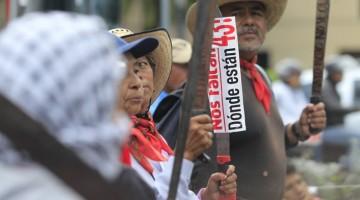marcha-22-meses-ayotzinapa-iguala-reforma-43-26-julio-RA7-770x392
