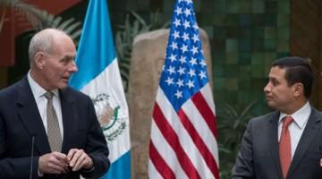 el-secretario-de-seguridad-nacional-de-estados-unidos-john-f-kelly-y-el-presidente-de-guatemala-jimmy-morales-en-conferencia-de-prensa-ap