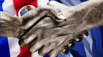 Nicaragua_CostaRica_Manos_banderas_450