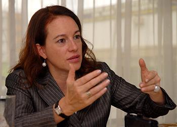 María Fernanda Espinosa 350
