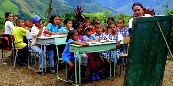 13 de Octubre - Debate sobre la educación en América Latina - NODAL