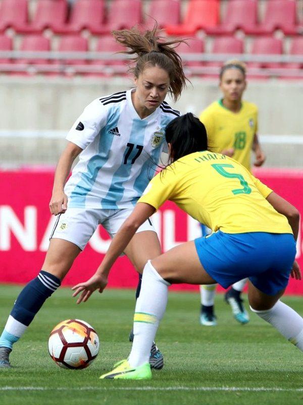Tapa suple fútbol femenino