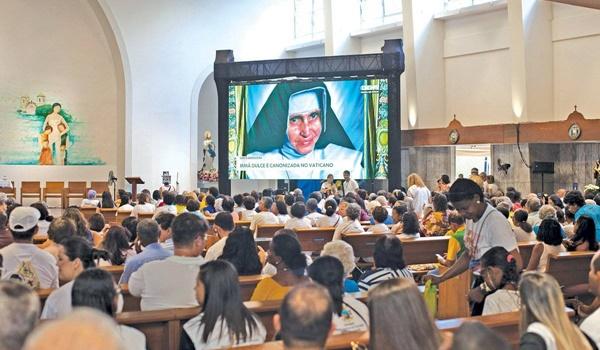 El Papa Canonizó A La Hermana Dulce Y Es La Primera Santa De