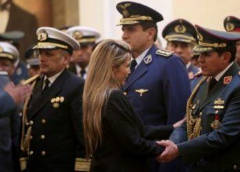 jeanine añez militares bolivia